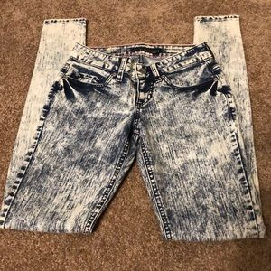 Acid washed blue and white skinny jeans